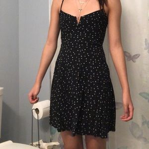 BLACK WITH WHITE FLORAL DESIGN FLOWY CASUAL DRESS